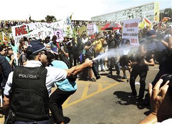 Manifestation anti-gouvernementale à Rio