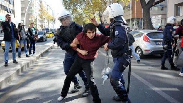Arrestation d'un étudiant à Ankara