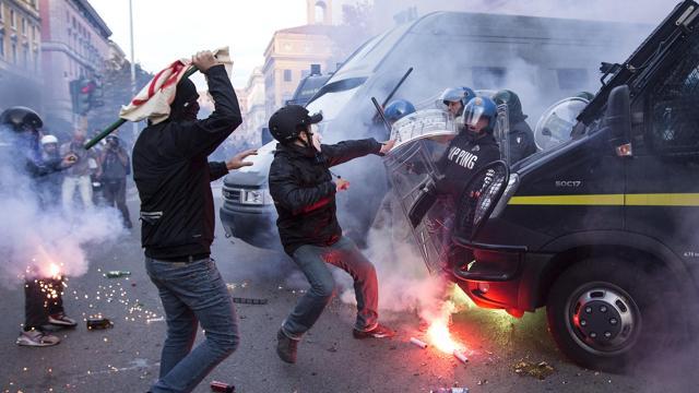 manifestation anti-austérité  à rome