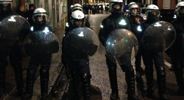 La police expulse le Gesü