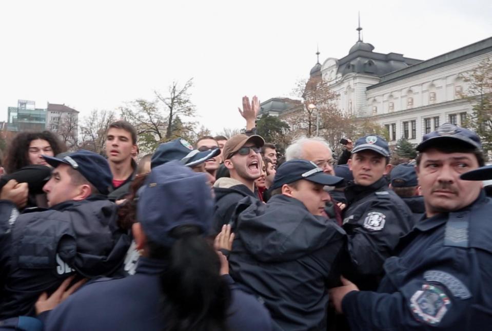 Manifestation et répression à Sofia