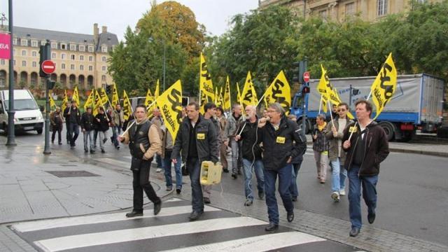 manifestation des postiers à Rennes