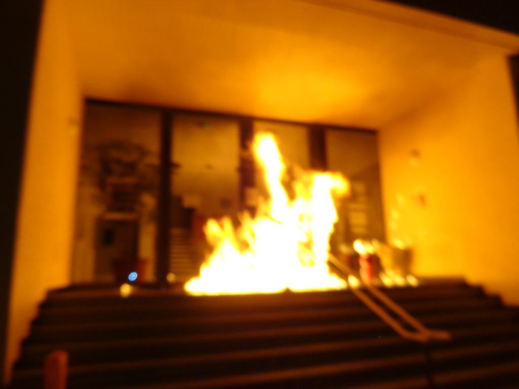 L'attaque incendiaire contre un bâtiment de l'armée à Tarbes