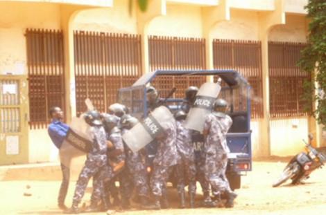 Intervention de la police sur le campus de Lomé, le 13 février