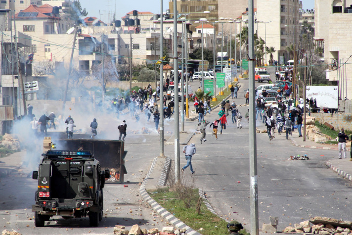 Heurts entre soldats israéliens et jeunes Palestiniens