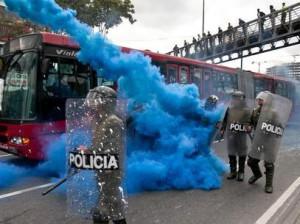 Police anti-émeute à Bogota