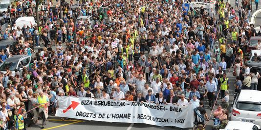 4438442_3_b3ca_manifestation-pour-la-situation-des-prisonniers.jpg