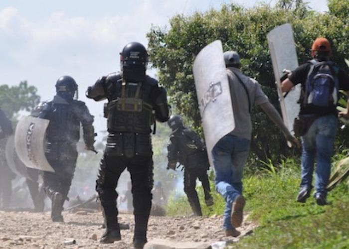 fuerza-publica-amenaza-campesinos.jpg