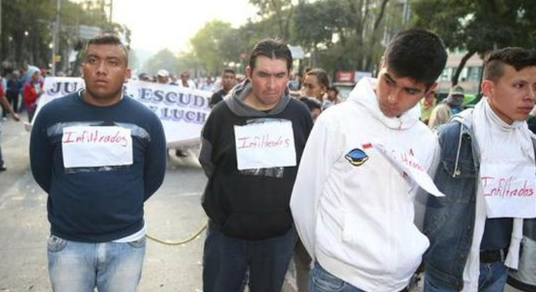 Les 'Infiltrados' manifestent.