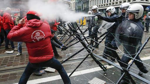 Affrontements Rue Royale.