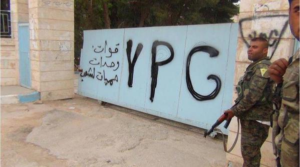 Des combattants du YPG à Hasseké