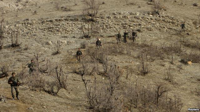 Les commandos turcs quadrillent la région d'Agri