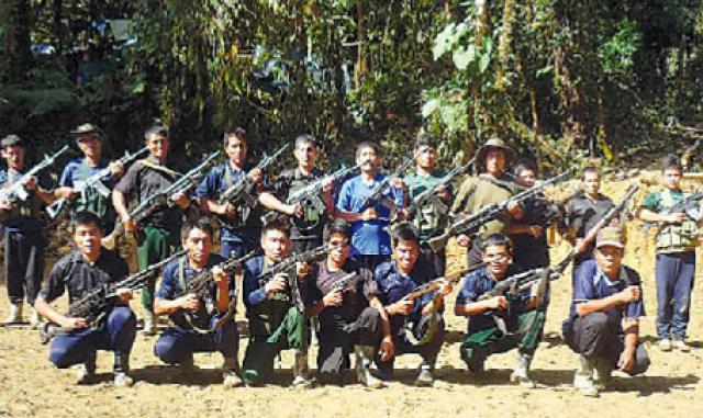 Combattants de la guérilla maoïste au Pérou
