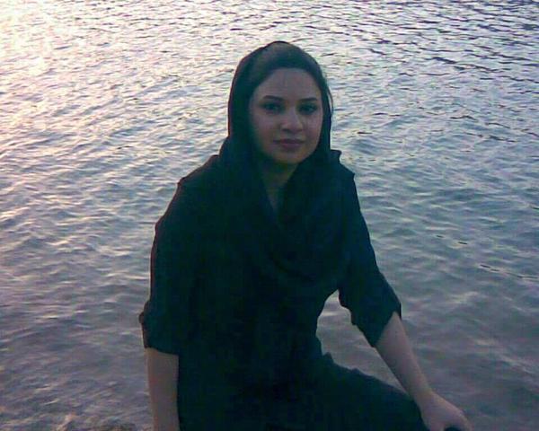 Farinaz Khosrawani