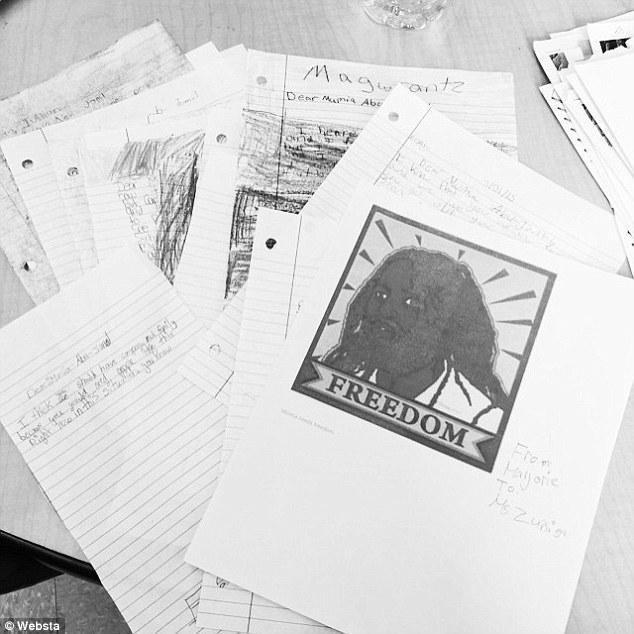 Des lettres et dessins pour Mumia.