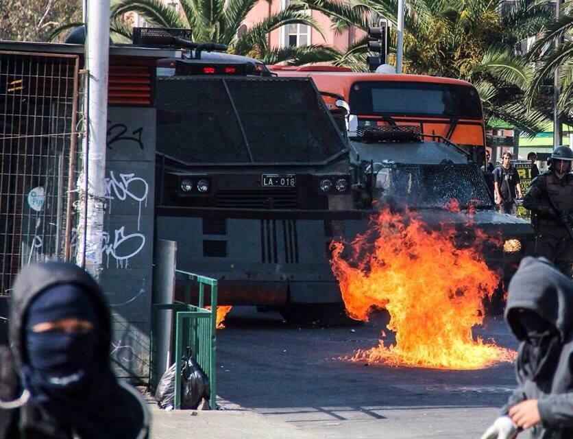 Affrontements à Valparaiso.