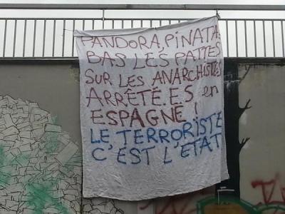 banderole solidaire des inculpés de Pinata (Besançon)