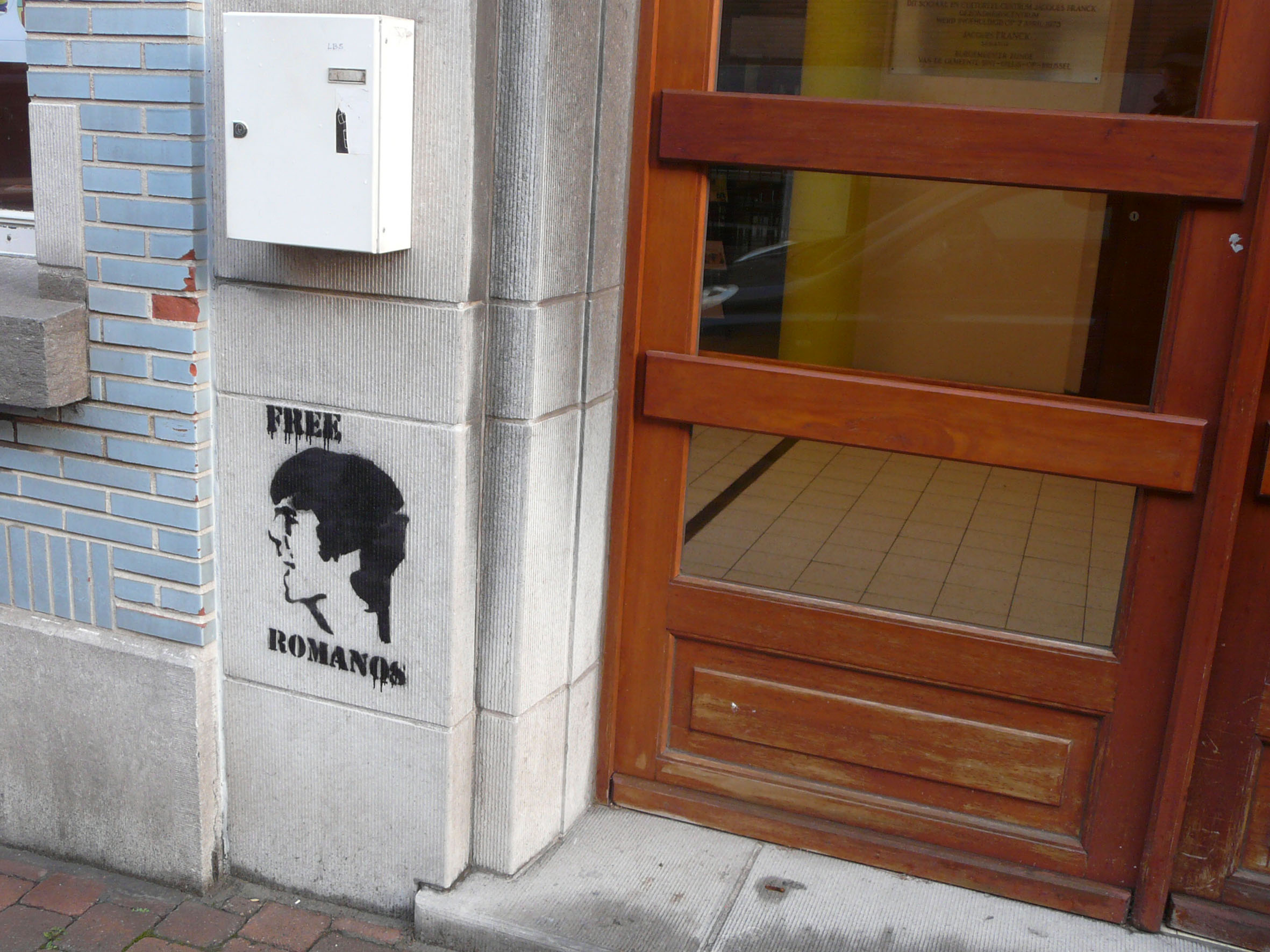 Tag de solidarité avec Romanos à Bruxelles