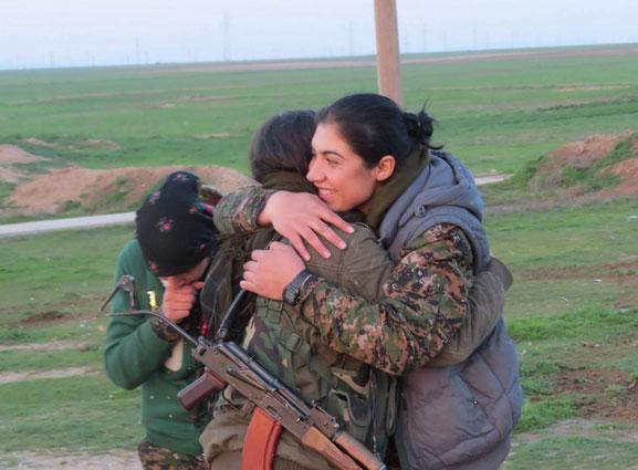 Les combattantes de Kobané et de Ciziré se rencontrent à Tal Abyad