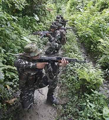 Unité de la CRPF dans une opération anti-naxalite