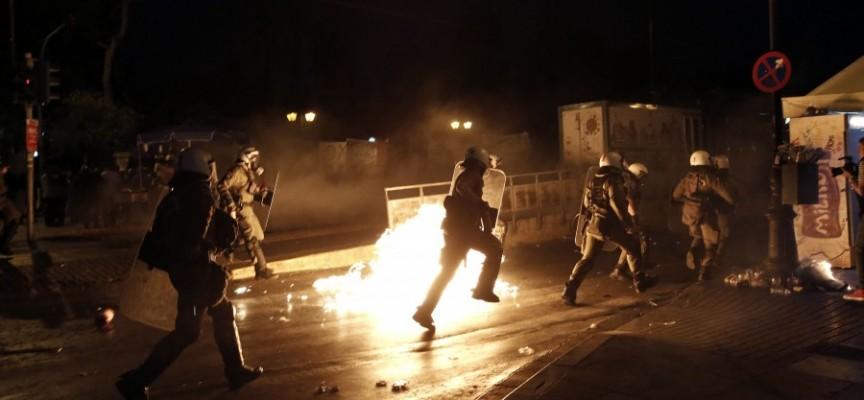 Manifestations contre l'accord avec les créanciers à Athènes.