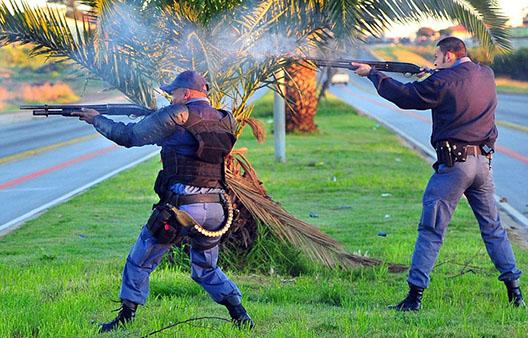 Les unités tactiques de la police sud-africaine.