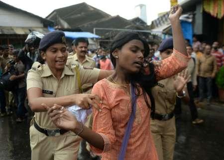 Arrestation d'une militante contre la peine de mort