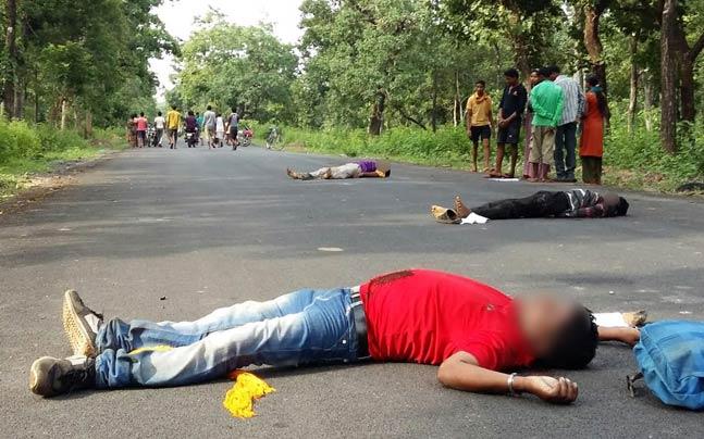 Les corps des policiers abattus
