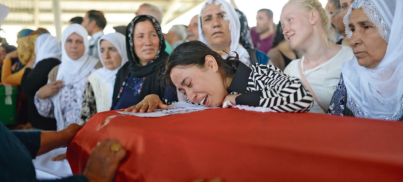Funérailles aujourd'hui mardi, dans la ville de Gaziantep, d'un des jeunes tués à Suruç