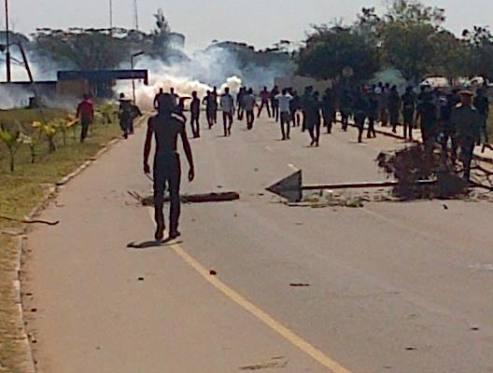 Les manifestants étudiants Jambo Drive, à Kitwe