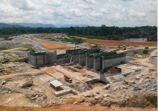 Le chantier du barrage hydroélectrique de Memve'élé