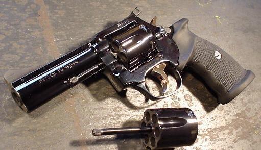 Le Manurhin MR73 (de calibre 357 magnum)