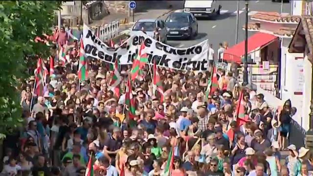 La manifestation  à Saint-Jean-Pied-de-Port