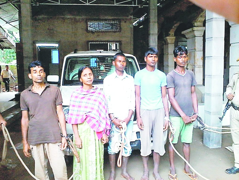Arrestation de cinq guérilleros présumés