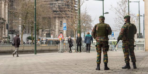Commandos devant le palais de justice de Bruxelles