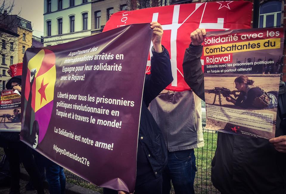 manifestation en solidarité avec les internationalistes espagnols