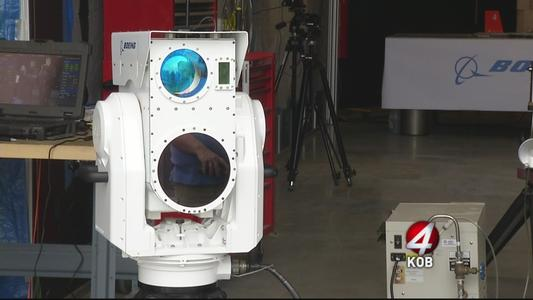 'Compact Laser Weapons System' de Boeing.