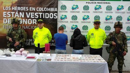 Arrestation d'Alberto López et d'Anaida Rodríguez