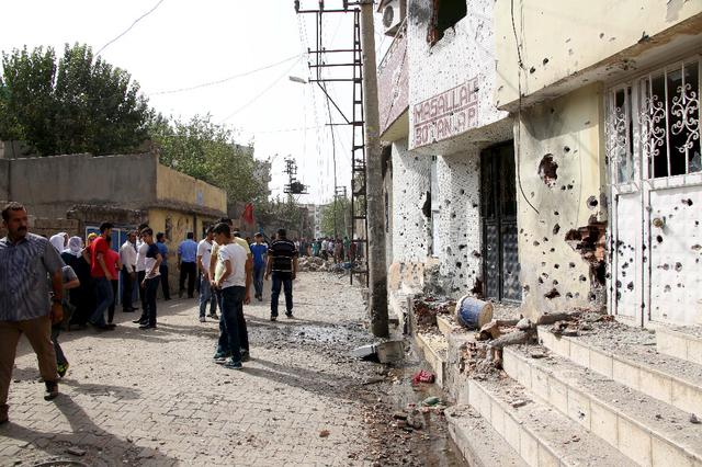 Effets d'un bombardement turc au Kurdistan