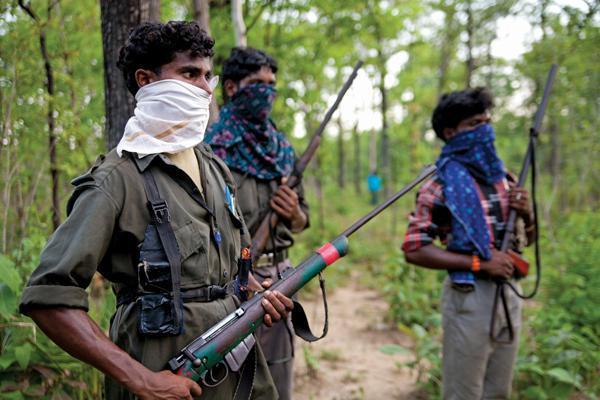 Guérilleros maoïstes dans les forêts de l'Odisha