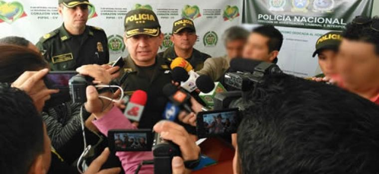 La conférence de presse de la police