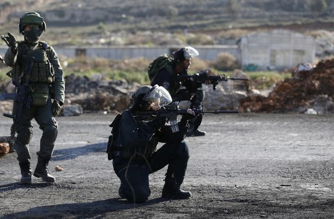 Soldats des forces d'occupation en Cisjordanie