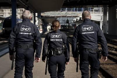 Patrouille de vigiles de la SNCF
