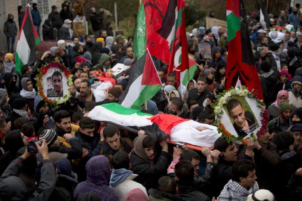 Féunérailles ce samedi de Farooq Sidr (à droite) et de Basil Sidr près de Hébron