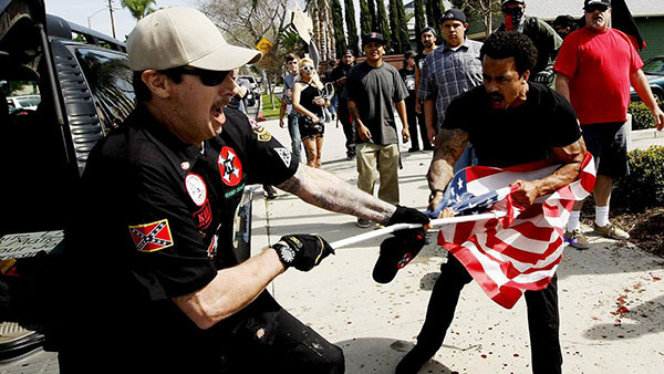 Manif contre le KKK
