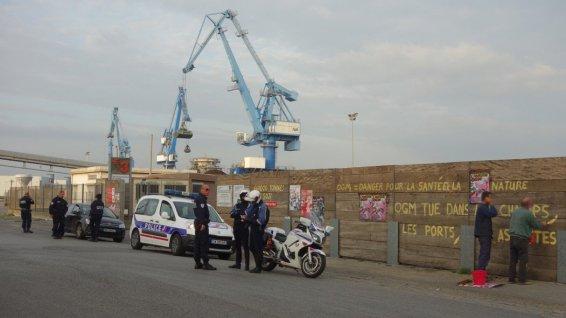 Tags anti-OGM à Lorient