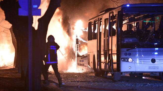Le théâtre de l'explosion à Ankara