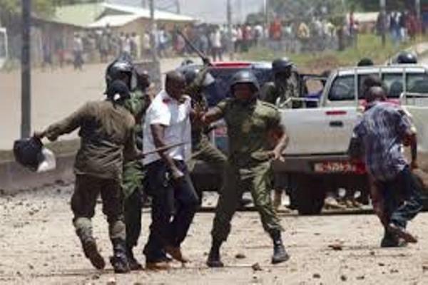 Interpellation pendant la grève à Conakry