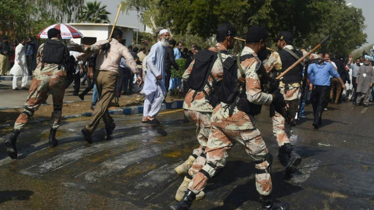 Affrontements à l'aéroport de Karachi