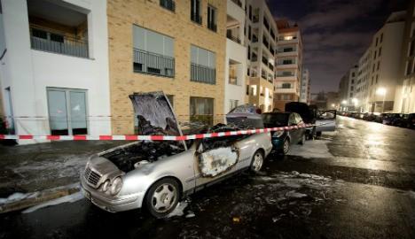 Une Mercedes incendiée à Kreuzberg